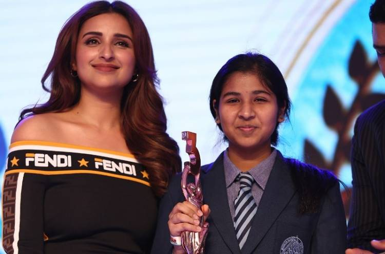 Students and Schools felicitated at the grand finale of the second season of Behtar India campaign
